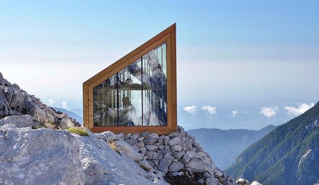Wooden building Skuta Mountain